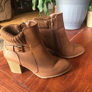 Heeled ankle boots. SUPER CUTE!